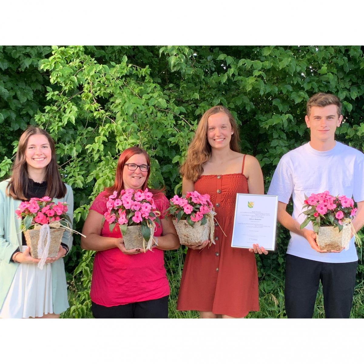 Herzliche Gratulation an unsere vier Lernenden zum erfolgreichen Lehrabschluss!